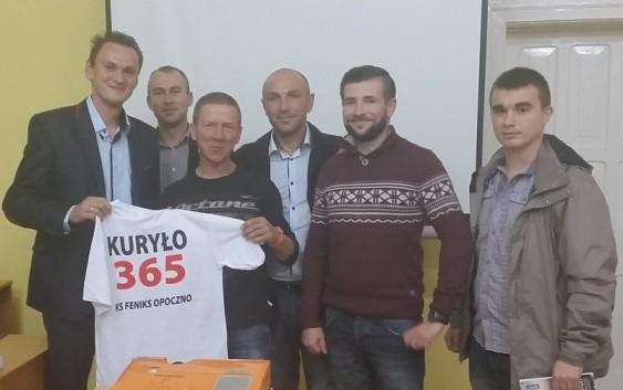 Wielki sportowiec i podróżnik Piotr Kuryło odwiedził KS Feniks
