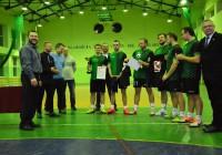Turniej Piłki Halowej w Gielniowie z piłkarzami Feniksa