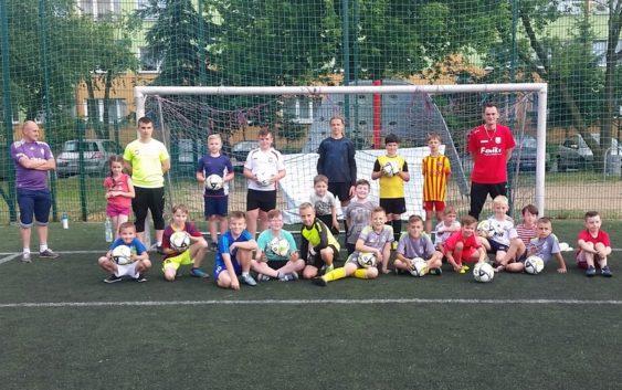 Opoka z Feniksem wspólnie promują pasję do piłki nożnej!