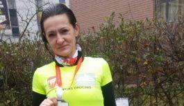 Podium biegaczki Feniksa w Kieleckim Biegu Niepodległości