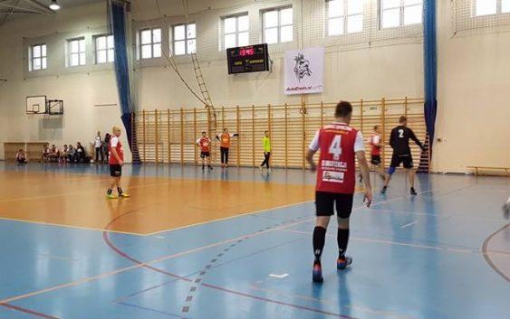 3 kolejka Opoczyńskiej Ligi w Halową Piłkę Nożną z Feniksem