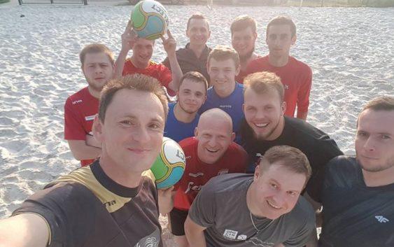 Pierwsze granie w Beach Soccer w 2017 w Sulejowie